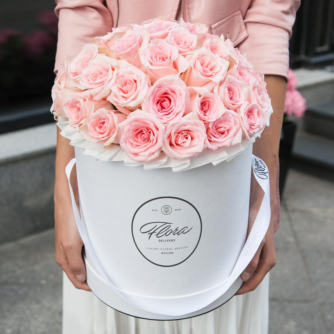 Фото букеты цветов высокого качества в шляпных коробках